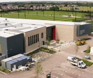 Le Naming du nouveau centre d'entraînement de Liverpool pour AXA (AXA Training Center)