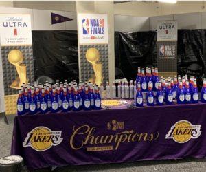 NBA – La «Champagne Shower» des Los Angeles Lakers sponsorisée par Michelob Ultra (bières)