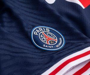 Le Paris Saint-Germain lance 2 maillots collectors pour ses 50 ans (1970 exemplaires à 240 euros)
