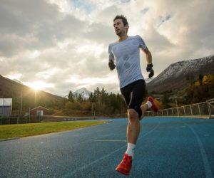Salomon va faire courir Kilian Jornet pendant 24 heures consécutives avec le défi «Phantasm 24»