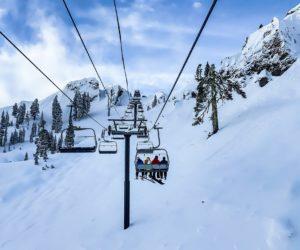 Location de ski à l'Alpe d'Huez : louez vos skis moins cher en ligne avec Sport 2000
