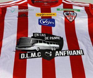 «En cas de panne» – Un sponsor maillot de l'AC Ajaccio surfe sur les incidents du bus du HAC en 2018