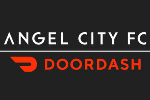 DoorDash premier sponsor maillot de la futur franchise Angel City Football Club