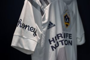 Sponsoring – Après les Clippers en NBA, Honey s'affiche sur le maillot du Los Angeles Galaxy en MLS