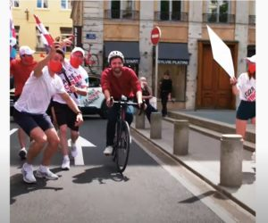 Activation – Quand Citroën offre une expérience de «coureur pro» à des cyclistes urbains en marge du Tour de France 2021