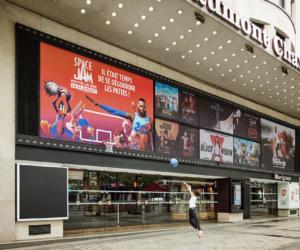 Communication – L'agence We Are Social installe des paniers de basket sur les affiches du film Space Jam 2