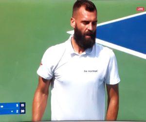 Tennis – Benoit Paire avec un polo «be normal» de Celio pour l'US Open 2021